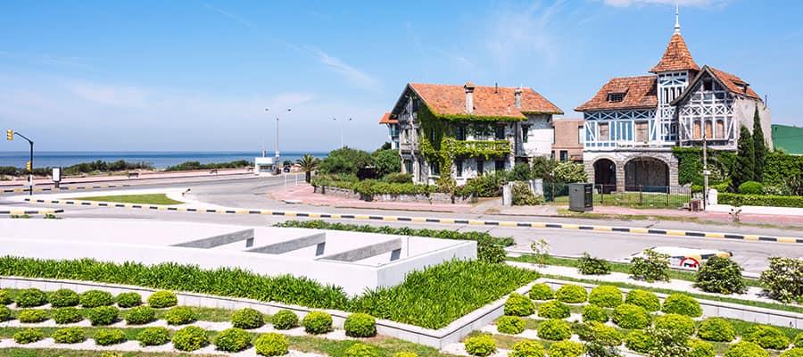 Cruise to the quaint coastal avenue of Montevideo