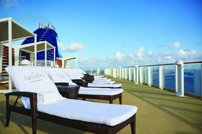 Norwegian Pearl Haven Sundeck