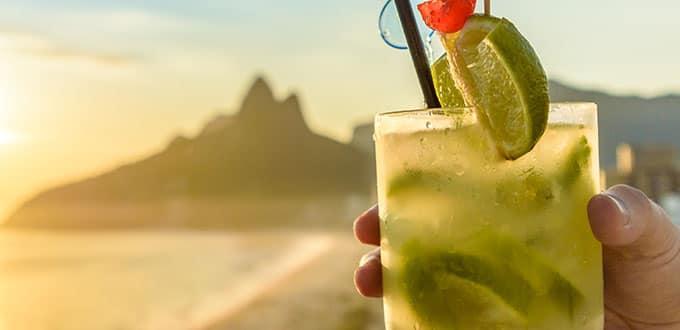 Savourez une caïpirinha, le cocktail national brésilien