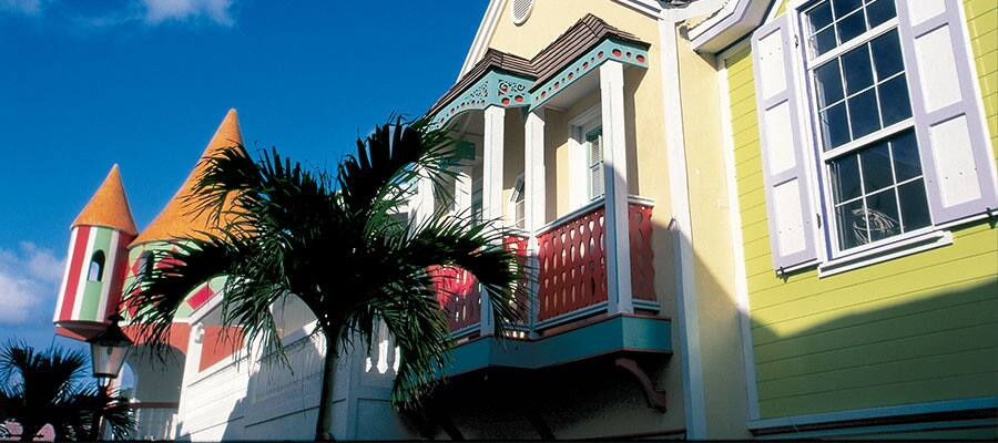 Colourful buildings on your Philipsburg cruise