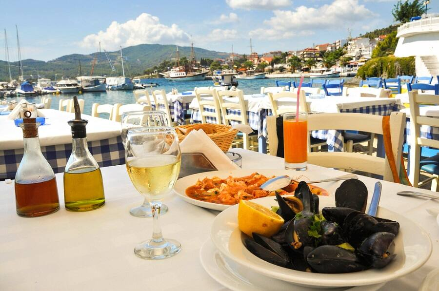 7 Food & Wine Tours to Enjoy on Your Greek Cruise