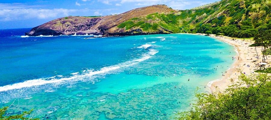 Beautiful waters on a Hawaii cruise