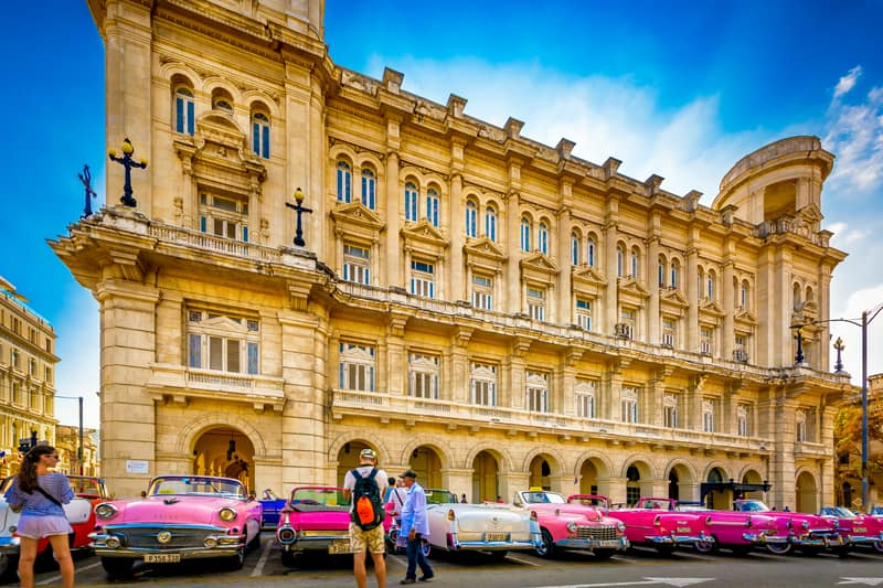 A Guide to Cruising for Architecture Buffs: Exploring Havana, Cuba