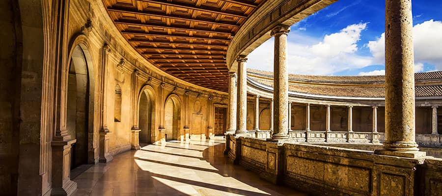 Visita l'Alhambra durante la tua crociera in Europa
