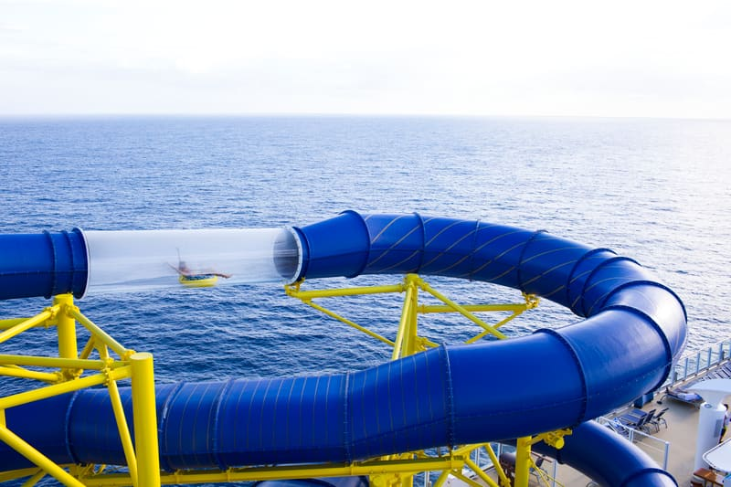 Norwegian Escape Aqua Racer