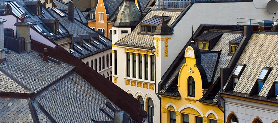 屋根が続くオーレスンの街並み