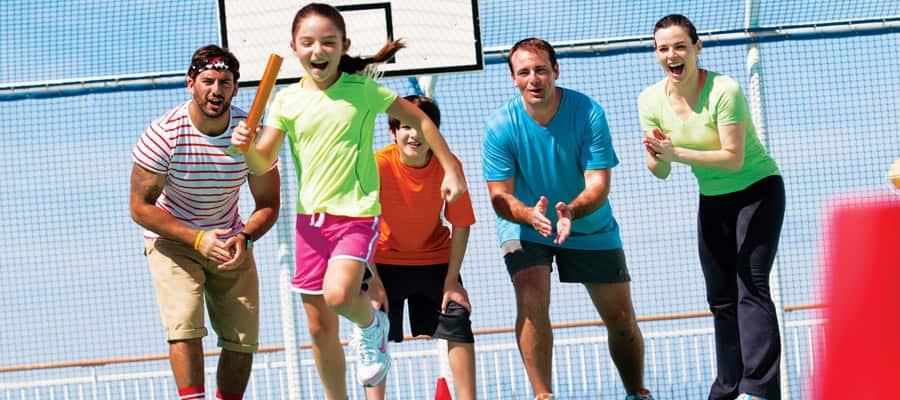 MI.sports-gallery-family-play