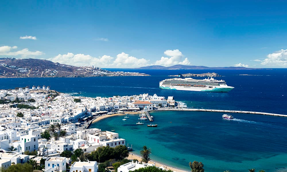Greek Isles Cruises: 10 Things to Do in Mykonos