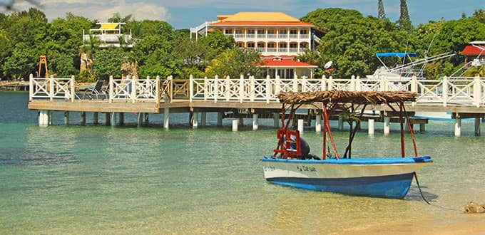 Calm days in Roatan, Honduras