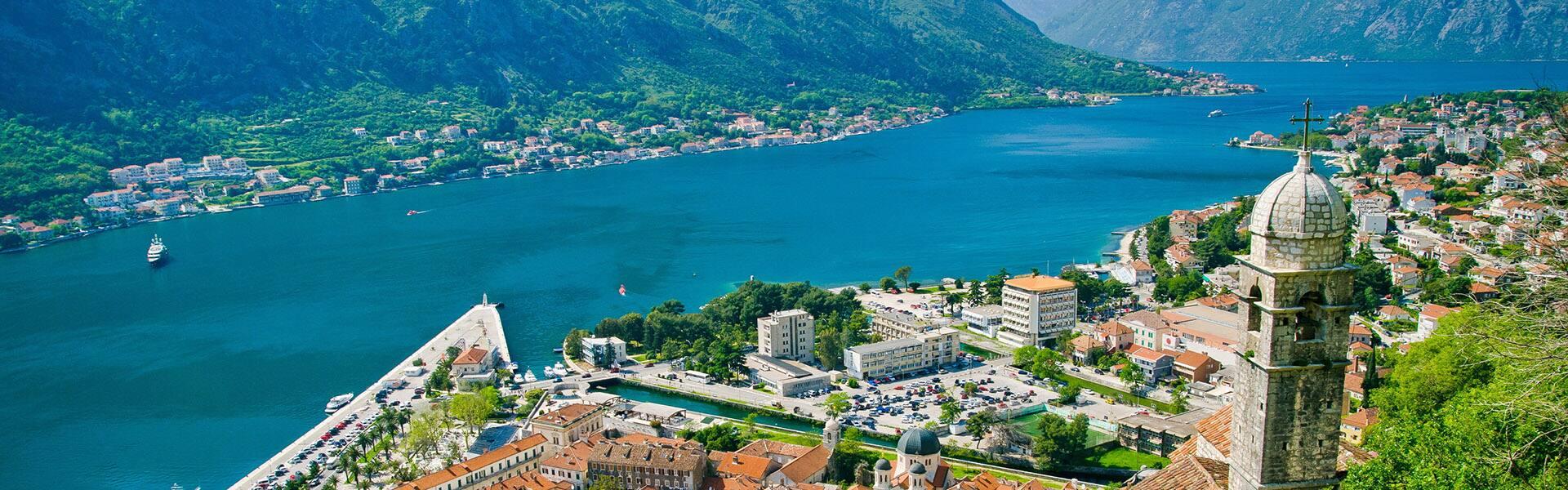 Mediterraneo: Napoli e Santorini