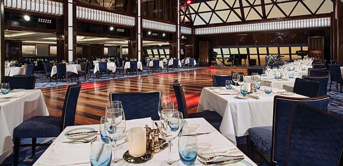 Restaurantes por todo o navio