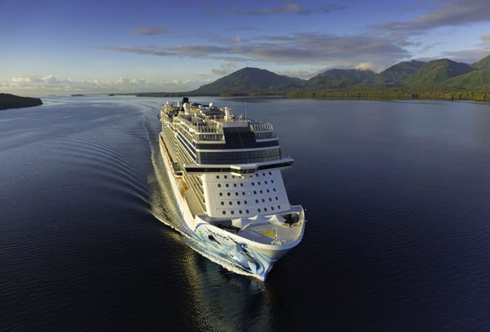 Navegue pelo Caribe no Norwegian Bliss