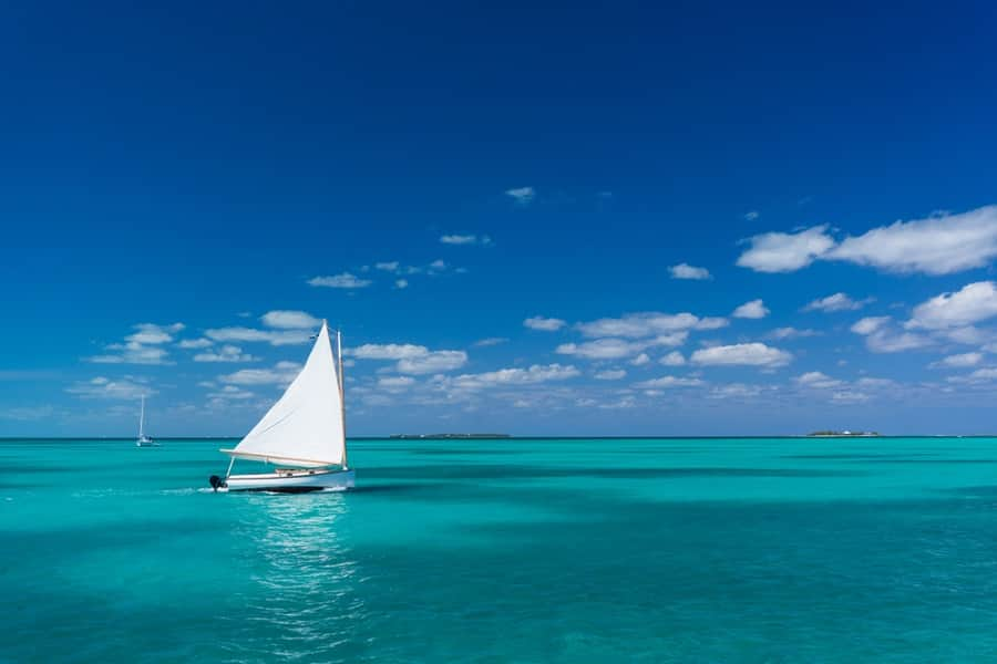 Get a Sailboat Tour of Grand Bahama Island