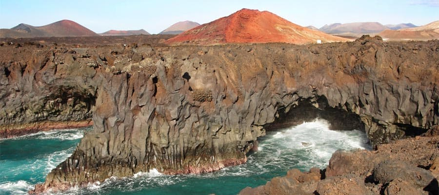 Los Hervideros on your Lanzarote cruise
