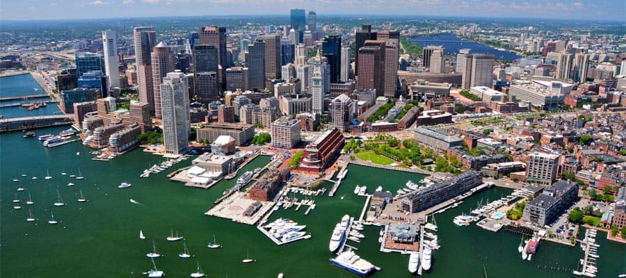 Naviga a Boston durante la tua crociera in Canada e New England
