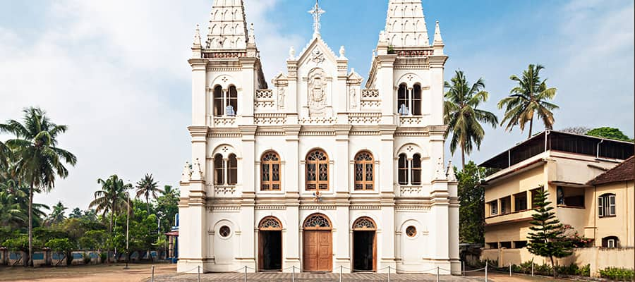 Basílica de Santa Cruz en cruceros por Cochin