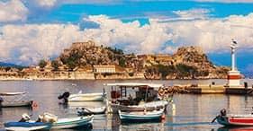 Pittoresque Corfu et vues sur les îles