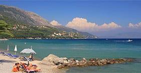 Pause détente à la plage à Corfou