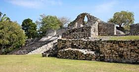 Combinação de ruínas de Kohunlich & Dzibanche