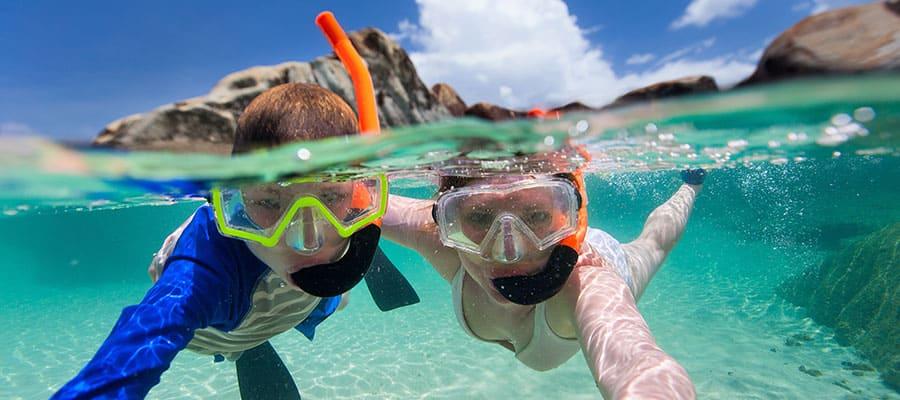 Practica buceo de superficie en tu crucero a Cabo San Lucas