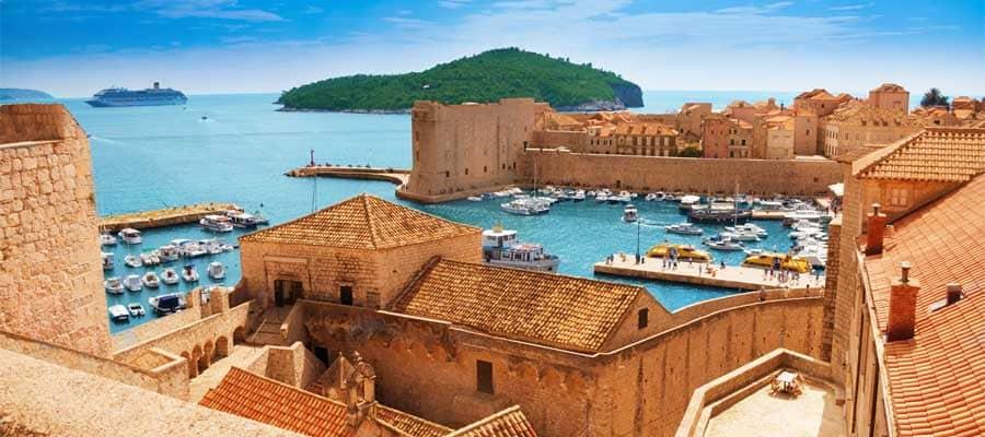 Puerto de Dubrovnik en Croacia
