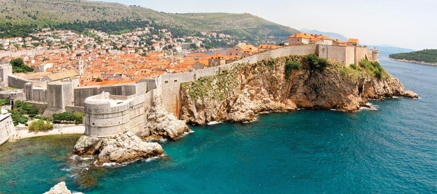 Die Steilküste von Dubrovnik in Kroatien
