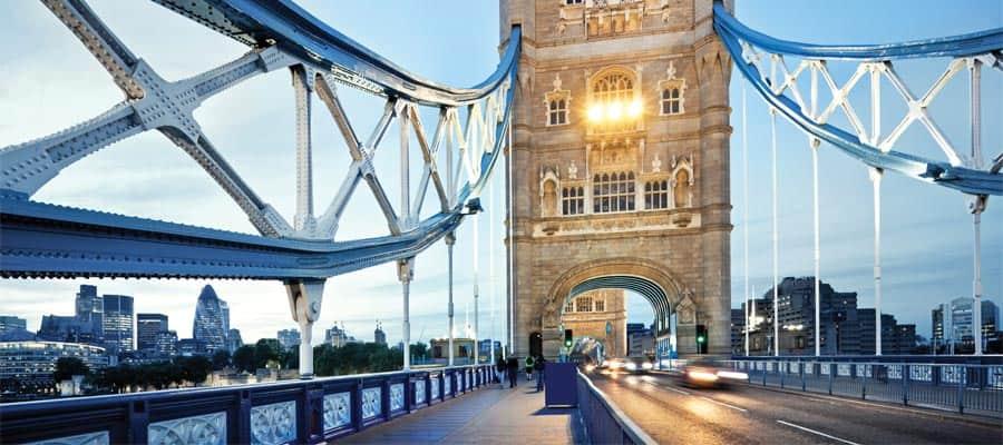 Torre di Londra durante la tua crociera in Europa