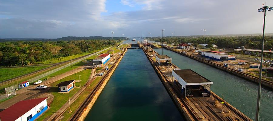 Überqueren Sie den Panamakanal mit Norwegian Cruise Line