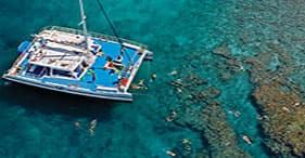 Passeio de catamarã & mergulho