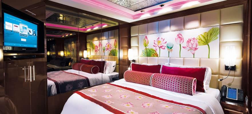 Genießen Sie den Luxus im Hauptschlafzimmer