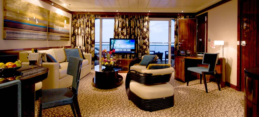 The Haven Deluxe Owner's Suite with Large Balcony