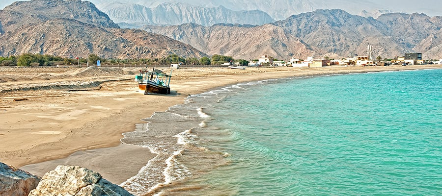 Beach in Khor Fakkan on Fujairah Cruises