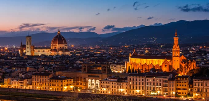 Evening comes alive in Florence, Italy