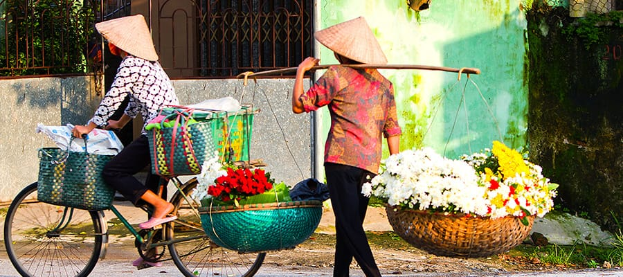 Flowers for sale in Hanoi (Ha Long Bay) Cruises