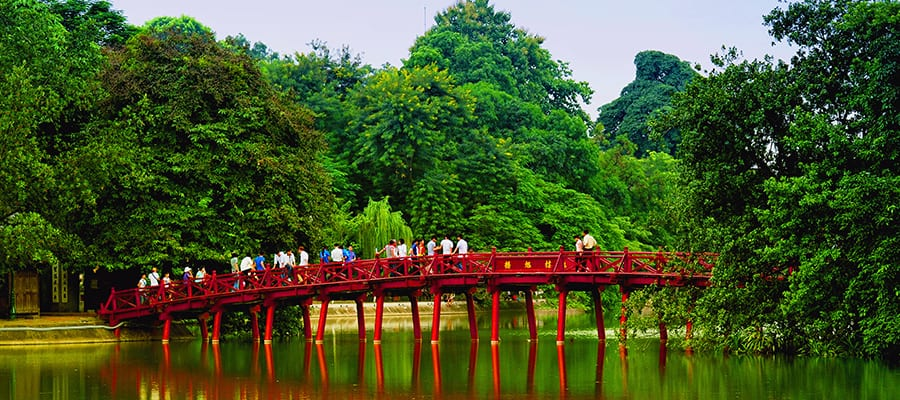 Red Bridge in Hoan Kiem Lake in Hanoi (Ha Long Bay) Cruise