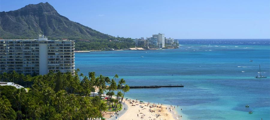Cruise to Waikiki Beach in Hawaii