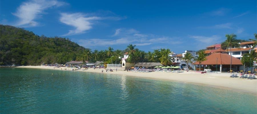 南米クルーズで訪れるトロピカルなビーチ