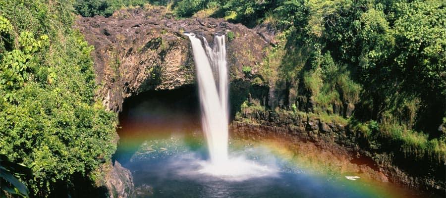 Besuchen Sie die Regenbogenfälle auf Ihrer Hawaiikreuzfahrt