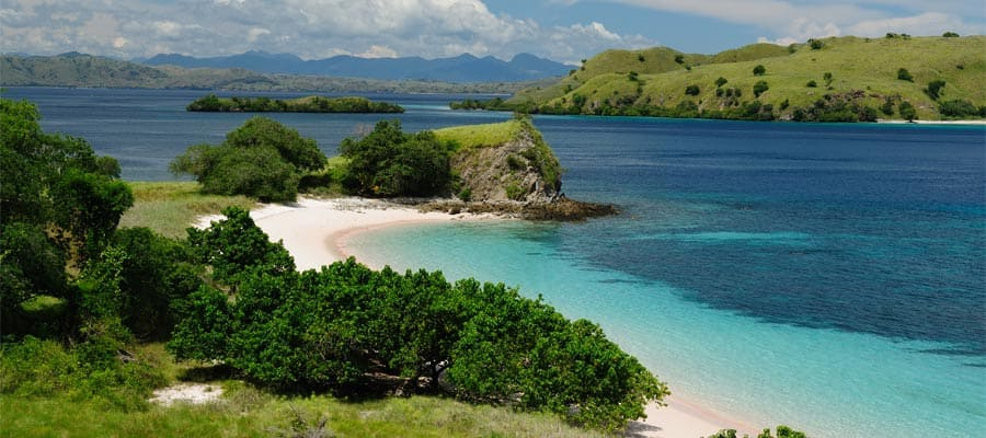 Beaches on your Komodo Cruise
