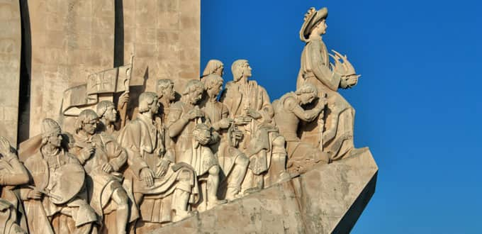Pay homage to explorers at the Monument of Discoveries