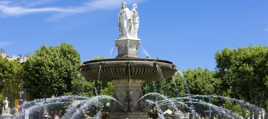 Cruise to Fountain at La Rotonde