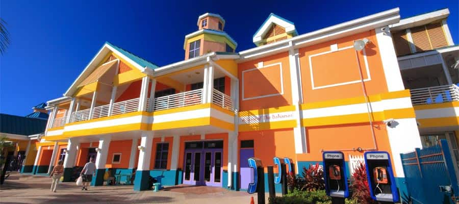 Cruise to colourful buildings in Nassau, Bahamas