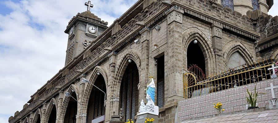 Catedral de Nha Trang en tu crucero a Nha Trang