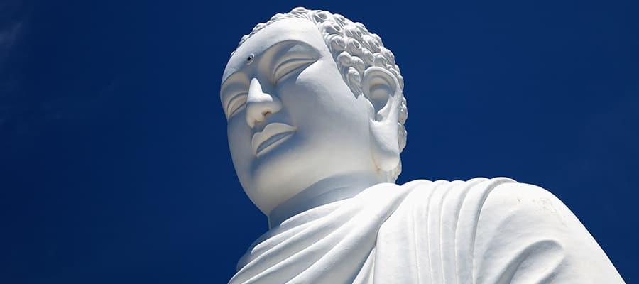 Weißer Buddha in Nha Trang