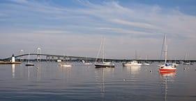 Newport por terra & mar