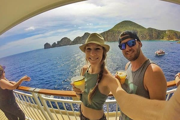 Wear light clothes on a Caribbean cruise