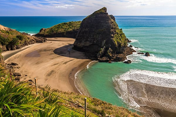 Relax on Piha Beach in Auckland