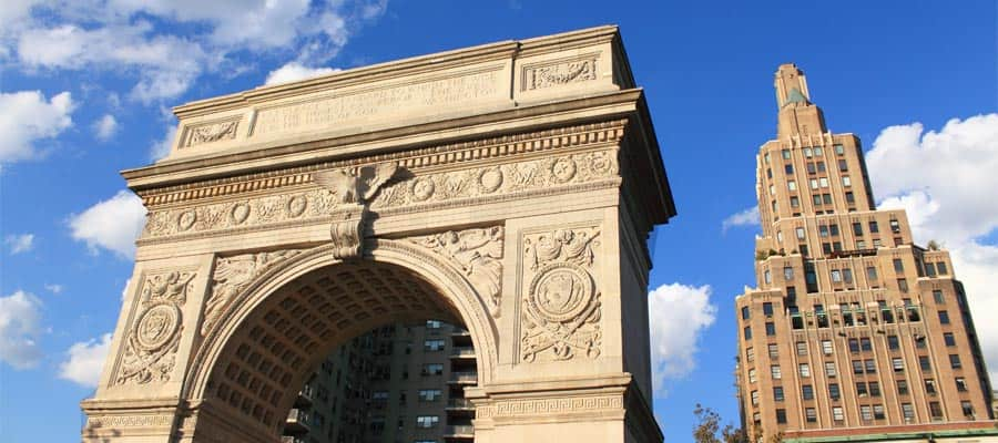 Fahren Sie zum Washington Square in New York