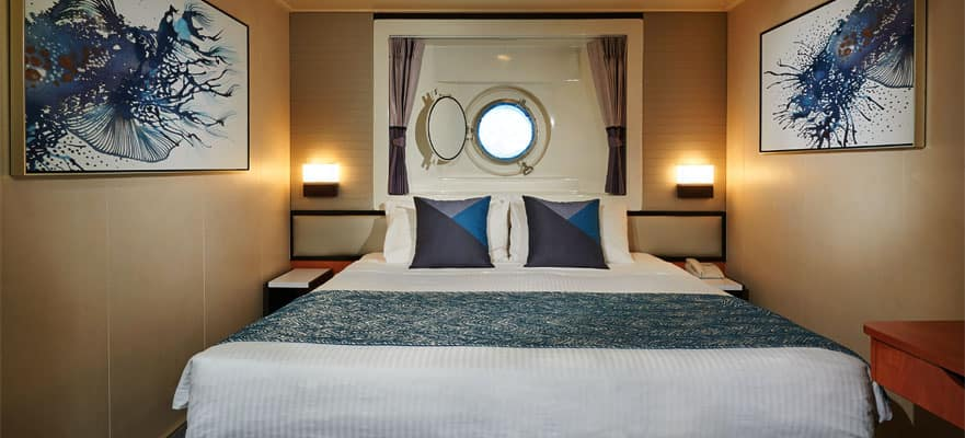 Oceanview Porthole Window