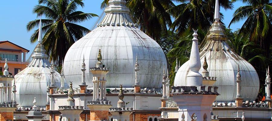 Masjid Jamek en Kuala Lumpur en tu crucero a Puerto Klang